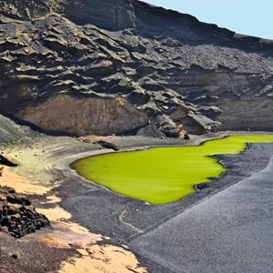 Het vulkanische groene meer op Lanzarote: beter bekend als Lago Verde