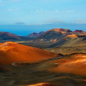 Rijd door het prachtige vulkanische Timanfaya National Park op Lanzarote