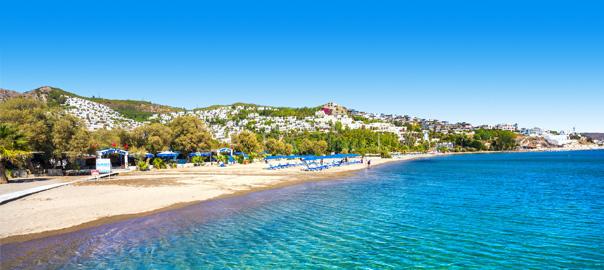 Strand aan de Egeïsche kust in Turkije