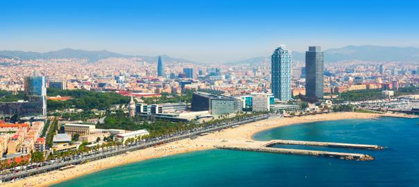 Uitzicht over de kustlijn van Barcelona