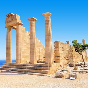 De ruïne van de Acropolis in Lindos, Rhodos