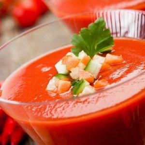 Glas met heerlijke Spaanse gazpacho