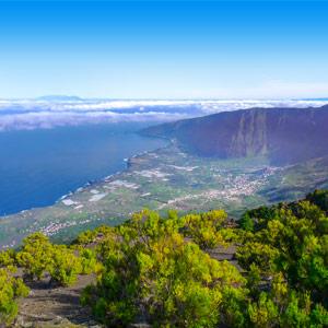 Uitzicht vanaf de berg over het eiland El Hierro