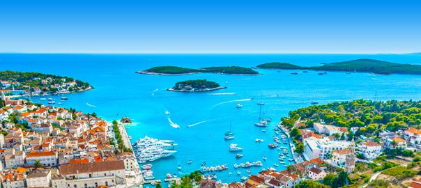 Kroatië uitzicht over baai Hvar