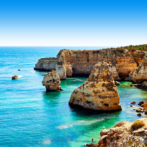 Zee met rotsen Lagos, Portugal