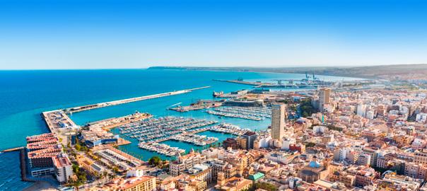 Uitzicht over de stad Alicante
